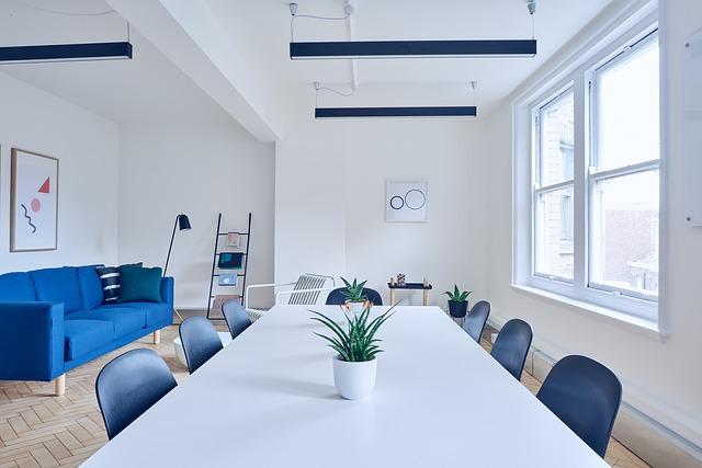 Meble białe do pokoju – zagraniczne meble designerskie