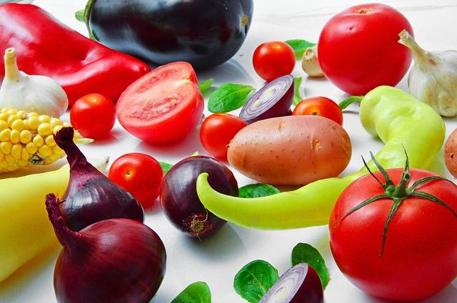 Blaty kuchenne. Urządzanie kuchni – o czym trzeba pamiętać? Meble kuchenne na wymiar Warszawa