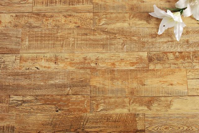 Podłogi naturalne. Zakochaj się w pięknie drewnianej podłogi – deski podłogowe dębowe Warszawa